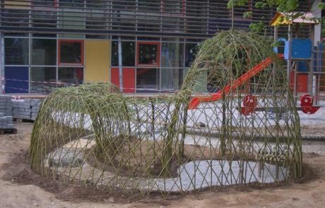 Weidentunnel Schulhof Weidensepp